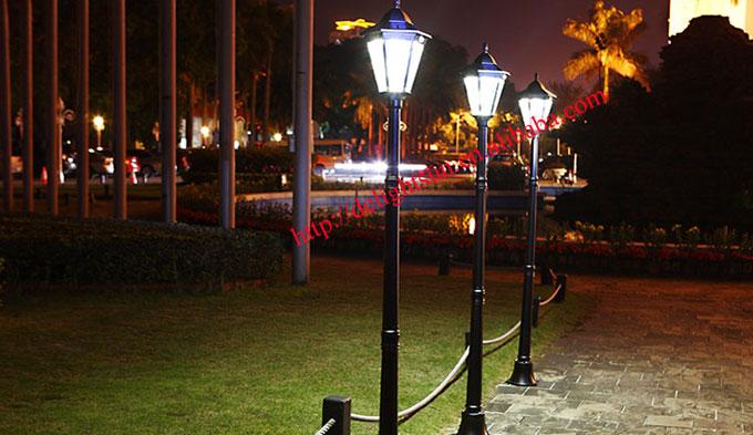 Solar motion sensor garden light