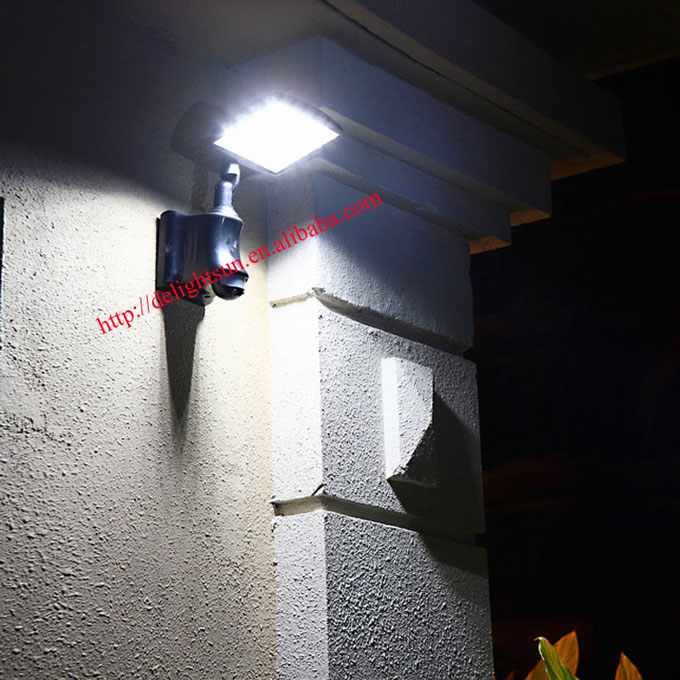 PIR solar garage light